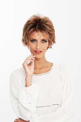 Parrucca_donna_modello_Flair_in_capello_sintetico_corto_colore_biondo_mechato_costruzione_in_tessitura