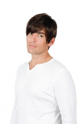 Parrucca_uomo_modello_Carlos_in_capello_sintentico_colore_castano_costruzione_in_tessitura